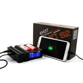 Incarcator universal acumulatori Efest Luc S2 cu ecran LCD si adaptor auto